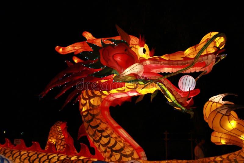 Chińskiego smoka latarniowa lampa w Loy Kratong festiwalu lub wezwania Yee Peng festiwalu przy północnym Thailand, zdjęcia royalty free