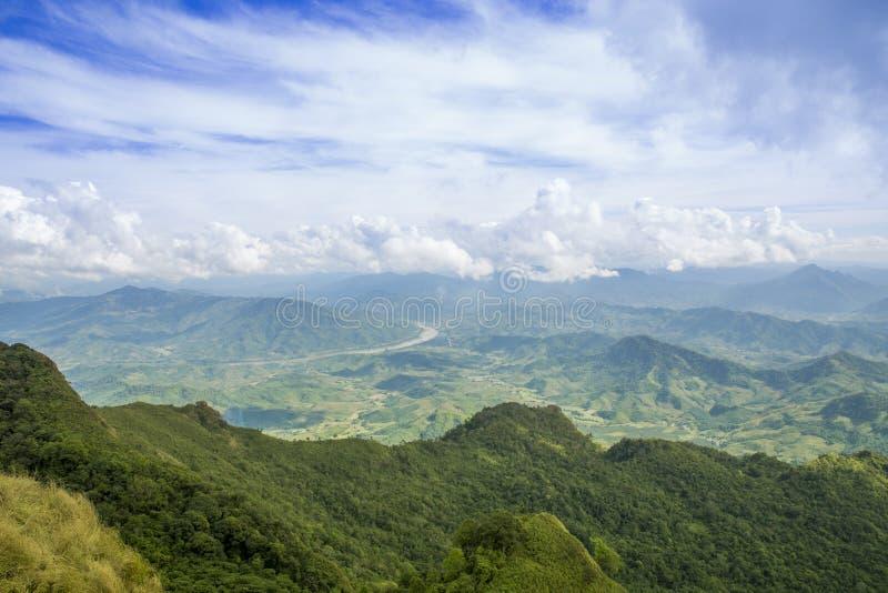 Chi Dao Phu ταξιδιού στο καταπληκτικό ταξίδι της Ταϊλάνδης/βουνών και ουρανού στοκ εικόνες με δικαίωμα ελεύθερης χρήσης