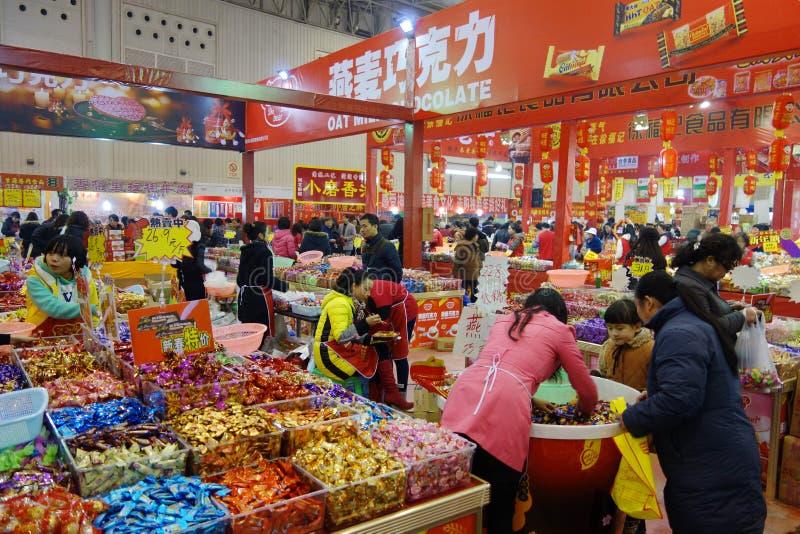 Download Chiński Nowego Roku Zakupy Festiwal W Sichuan Zdjęcie Stock Editorial - Obraz złożonej z świeżość, chińczyk: 28951398