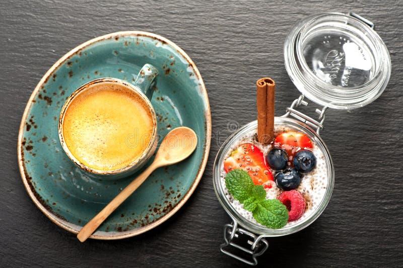 Chia sème la nourriture superbe de pudding image libre de droits