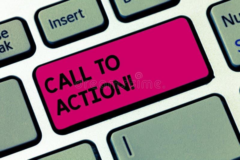Chiamata del testo di scrittura di parola ad azione Concetto di affari affinchè movimento di decisione Encourage avanzino la rius fotografia stock