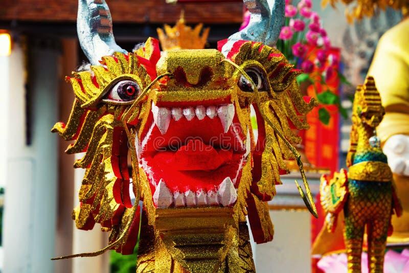 Chiang Mai, Таиланд Скульптура дракона виска Wat Chedi Luang стоковое изображение