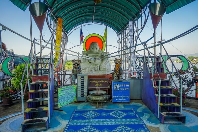 CHIANG MAI, TAILANDIA - 1° FEBBRAIO 2018: Vista all'aperto del budha lapidato situato al triangolo dorato in Tailandia fotografia stock