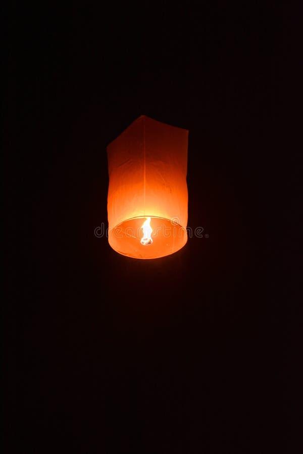 CHIANG MAI, TAILANDIA 25 de octubre: Yee Peng Festival - lanzamiento f de la gente foto de archivo libre de regalías