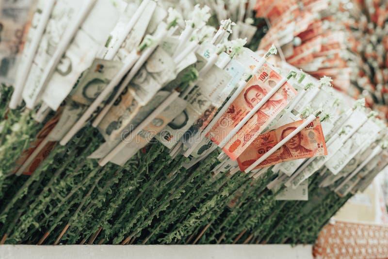 CHIANG MAI, TAILANDIA - il 17 novembre 2018: Donazione Reli dei soldi immagine stock libera da diritti