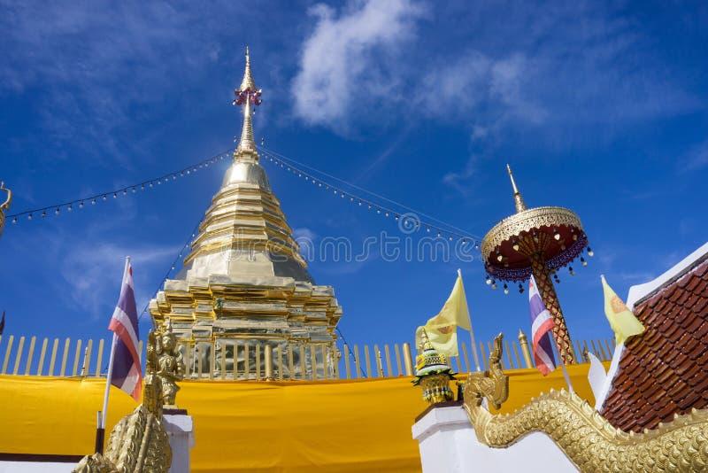Chiang Mai, Tajlandia - 19 2018 Sierpień: Buddha relikwii pagoda przy Watem Phra Ten Doi Kham świątynia obraz stock