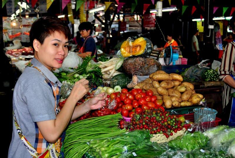 Chiang Mai, Thailand: Somphet Nahrungsmittelmarkt lizenzfreie stockfotos