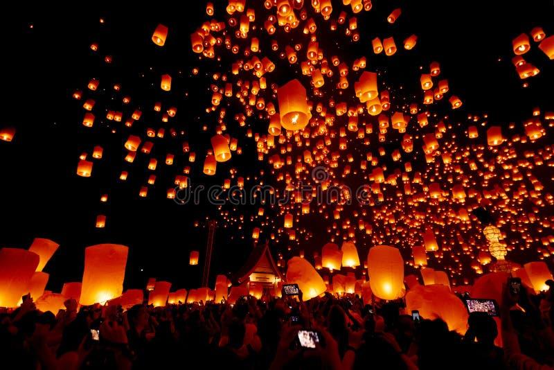 CHIANG MAI THAILAND - Yee Peng Festival, Loy Krathong celebrati arkivfoton