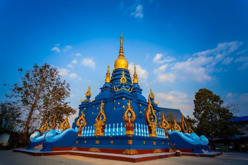 Chiang Rai Blue Temple of Wat Rong Seua Ten worden gevestigd in Chiang Rai stock fotografie