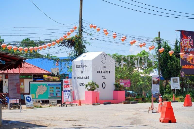 Chiang Rai, Thailand - 14. Mai 2018: Großer Kilometerstein schreiben diesen Kilometer 0 an Doi-mae salong lizenzfreie stockfotografie