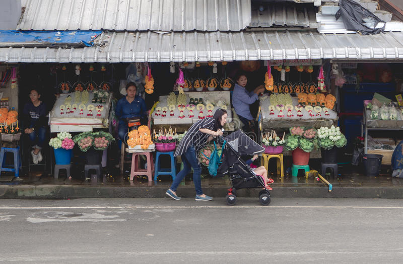 CHIANGMAI,泰国- 2017年7月26日, :Warorot市场,清迈,泰国 库存照片