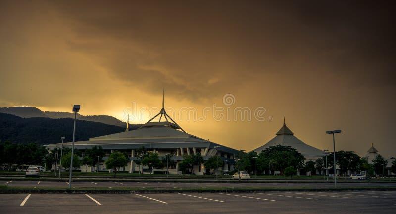 CHIANGMAI Таиланд-август 18,2017: Международная выставка и выставочный центр Чиангмая на день захода солнца стоковые изображения