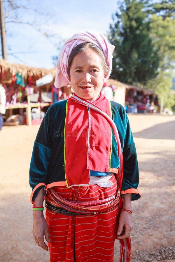 CHIANGMAI TAILANDIA - JAN10: tribù tailandese della collina dara-ANG in donna fotografia stock libera da diritti