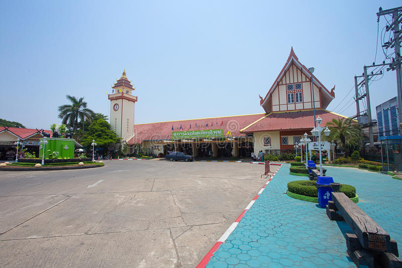 CHIANGMAI TAJLANDIA, MAJ, - 8 2016: Chiangmai dworzec magistrala fotografia stock