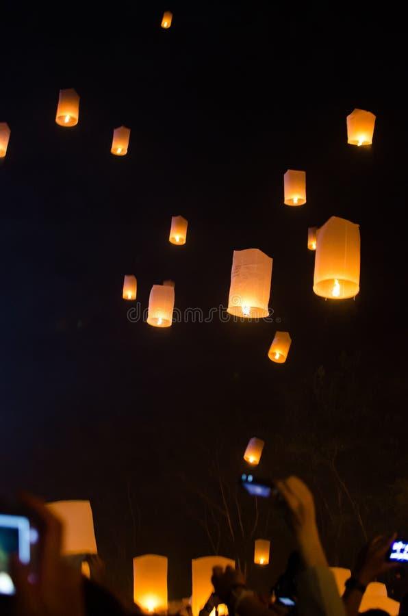 Chiangmai Thaïlande de lanterne de ciel photographie stock libre de droits