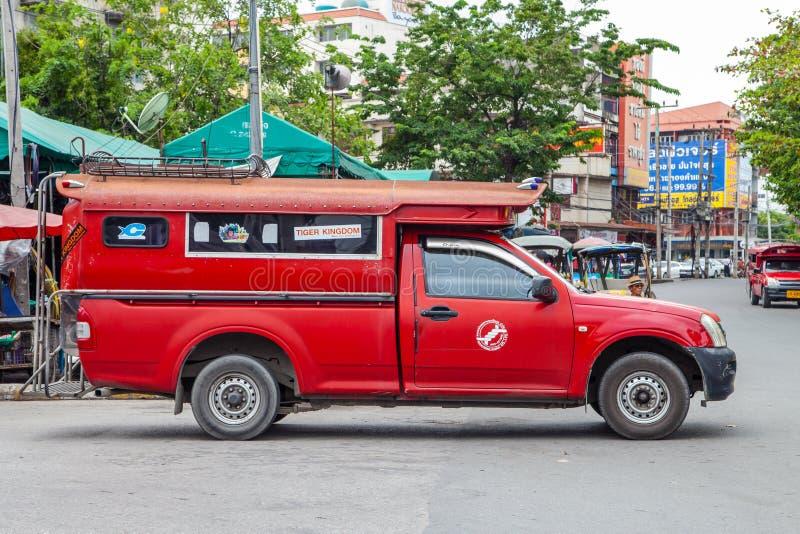 CHIANGMAI, THAÏLANDE - 29 JUIN 2014 : Marché de Warorot, localement calle image stock
