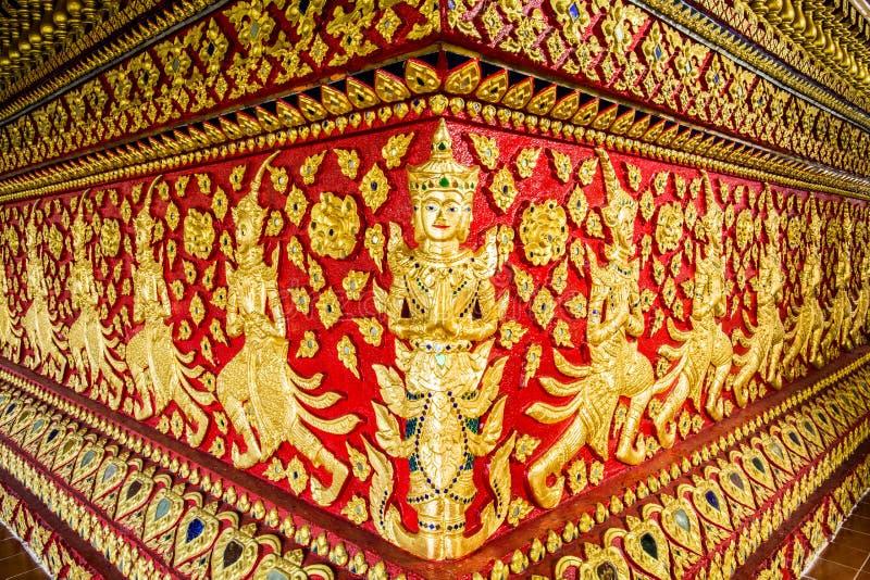 Chiangmai Thailand för suandok för ängelskulpturwat royaltyfria bilder
