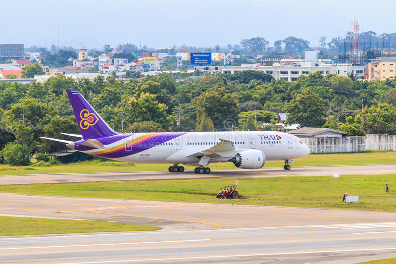 CHIANGMAI THAILAND - Juli 26, 2014: HS--TANflygbuss A300-600R av Thai Airways royaltyfria bilder