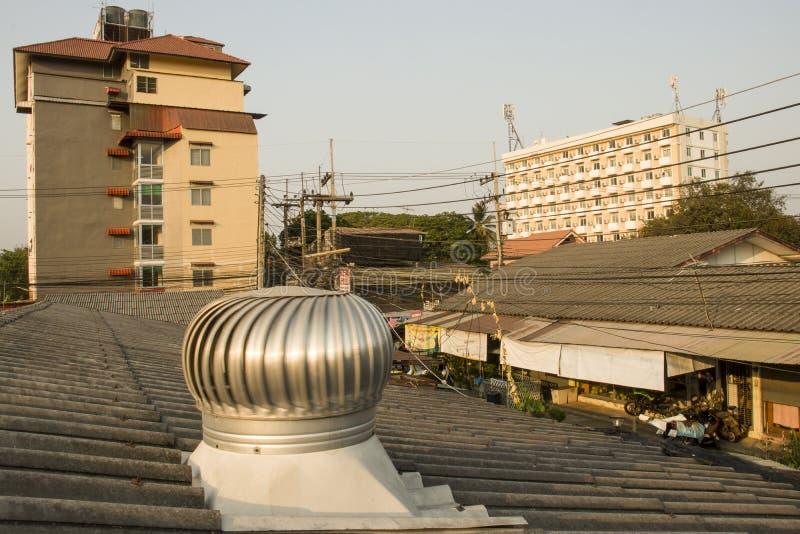 Chiangmai Thailand - Maj 9, 2019: byggnad lägenhet, slumkvarter arkivfoton