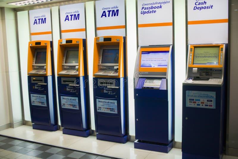 CHIANGMAI, 3,2019 THAILAND-MEI: ATM van de Bank van Bangkok stock foto