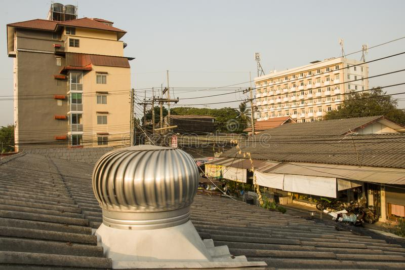 Chiangmai, Thailand - Mei 9, 2019: de bouw, flat, krottenwijk stock foto's