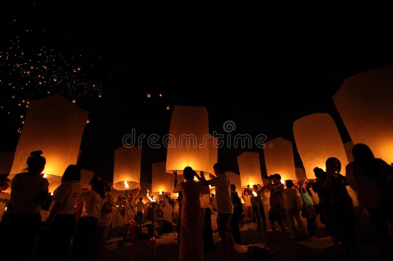 CHIANGMAI, THAILAND - OCTOBER 24 : Thai people floating lantern. October 24 ,2012 in Maejo, Chiangmai, Thailand. CHIANGMAI, THAILAND - OCTOBER 24 : Thai people royalty free stock images