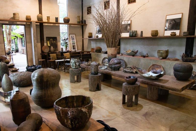 Chiangrai 'Doy Din Dang': famoso local para turistas com produtos artesanais e cerâmica foto de stock