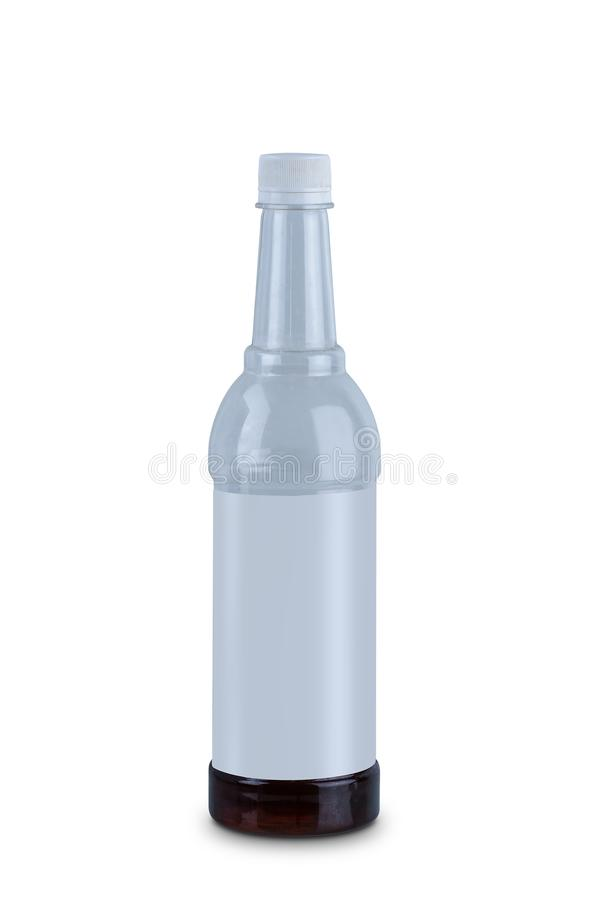 Chiara bottiglia di acqua di plastica isolata su fondo bianco immagine stock