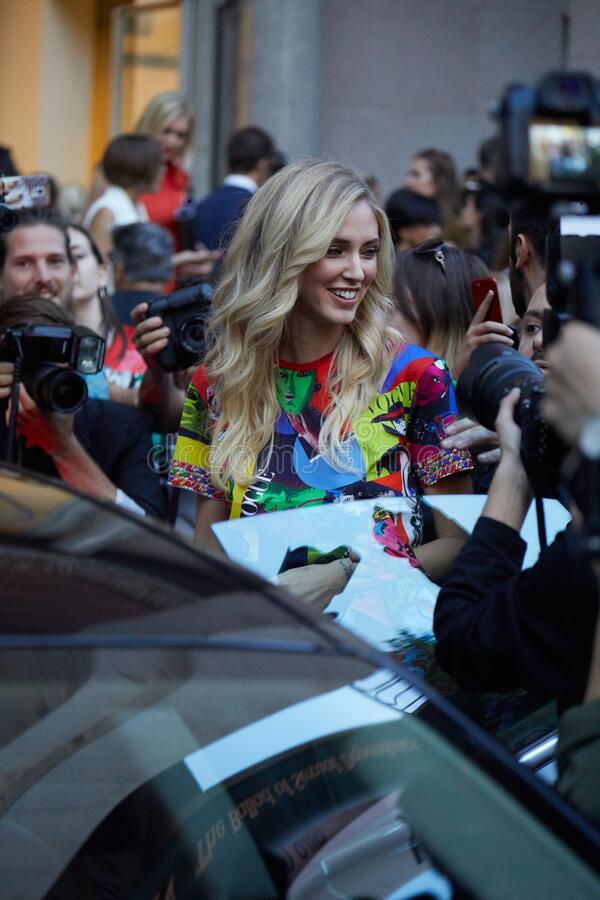 Free Chiara Ferragni Surrounded By Fans And Photographers Before Versace Fashion Show, Milan Fashion Week Street Royalty Free Stock Photos - 194565978