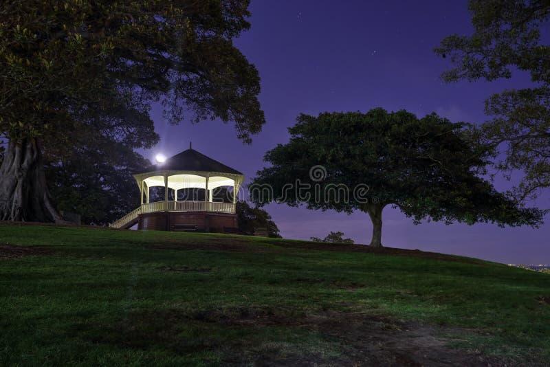 Chiaro di luna alla collina Sydney dell'osservatorio fotografia stock libera da diritti