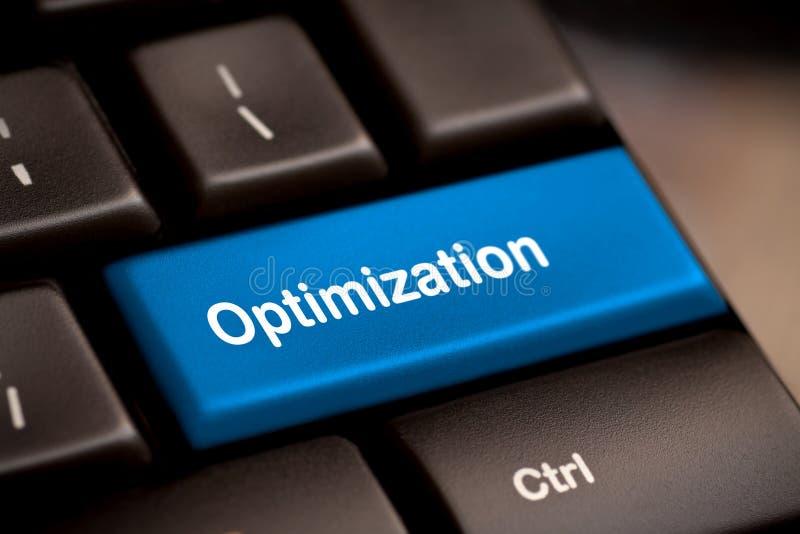 Chiave con la parola di ottimizzazione sulla tastiera del computer portatile. fotografia stock
