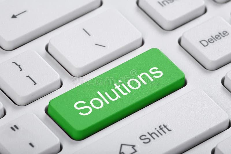 Chiave verde del computer. Soluzioni immagine stock libera da diritti