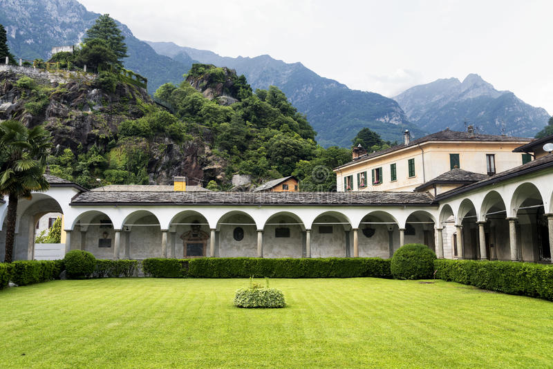 Chiavenna: μοναστήρι του SAN Lorenzo στοκ εικόνα με δικαίωμα ελεύθερης χρήσης
