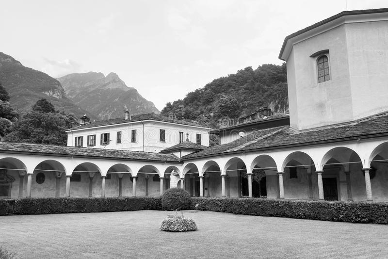 Chiavenna: μοναστήρι του SAN Lorenzo στοκ εικόνες