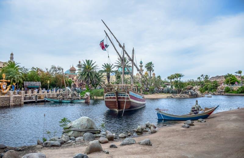 CHIBA, ЯПОНИЯ - МАЙ 2016: Аравийская зона привлекательности побережья в токио Disneysea расположенном в Urayasu, Chiba, Японии стоковые изображения rf