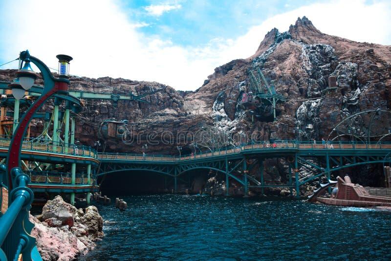 CHIBA, JAPAN - MAG, 2016: Geheimzinnige die Eilandaantrekkelijkheid in Tokyo Disneysea in Urayasu, Chiba, Japan wordt gevestigd royalty-vrije stock foto's