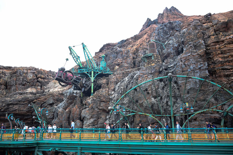 CHIBA, JAPAN - MAG, 2016: Geheimzinnige die Eilandaantrekkelijkheid in Tokyo Disneysea in Urayasu, Chiba, Japan wordt gevestigd stock afbeeldingen