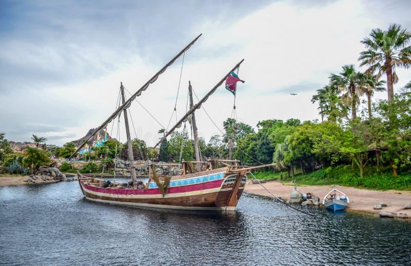 CHIBA JAPAN -, MAY 2016: Arabiskt kustdragningsområde i Tokyo Disneysea som lokaliseras i Urayasu, Chiba, Japan arkivfoton