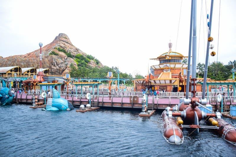 CHIBA JAPAN -, MAY 2016: Port upptäcktområde i Tokyo Disneysea som lokaliseras i Urayasu, Chiba, Japan royaltyfria foton