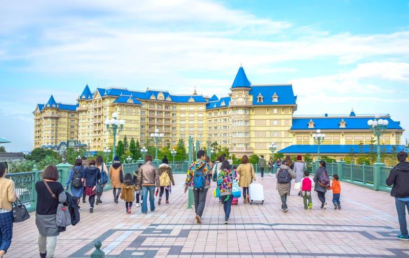 CHIBA, JAPAN: Mening van het Hotel van Tokyo Disneyland in de Toevlucht van Tokyo Disney, Urayasu, Chiba, Japan wordt gevestigd d royalty-vrije stock afbeeldingen
