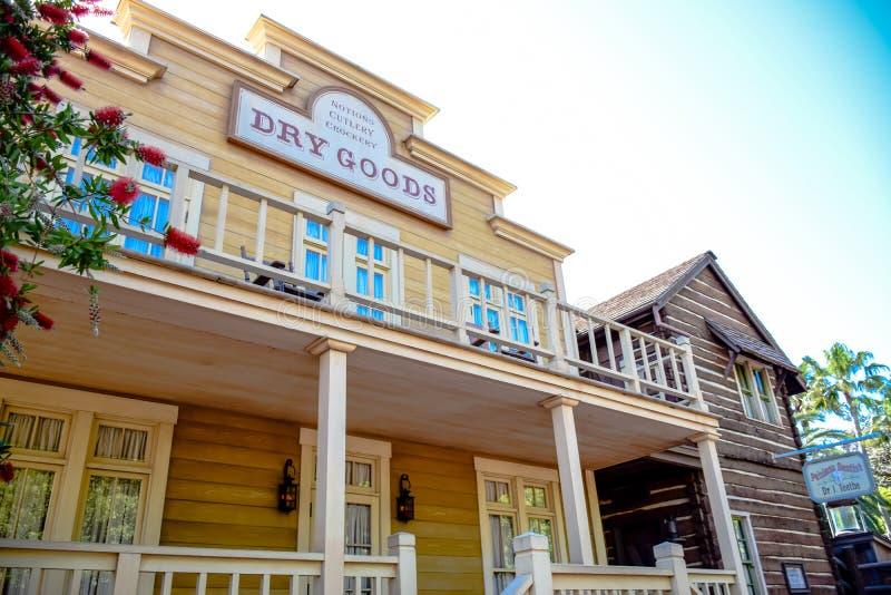 CHIBA, JAPON : Marchandises sèches d'épicerie de couverts du ` s de notion, Tokyo Disneyland photographie stock libre de droits