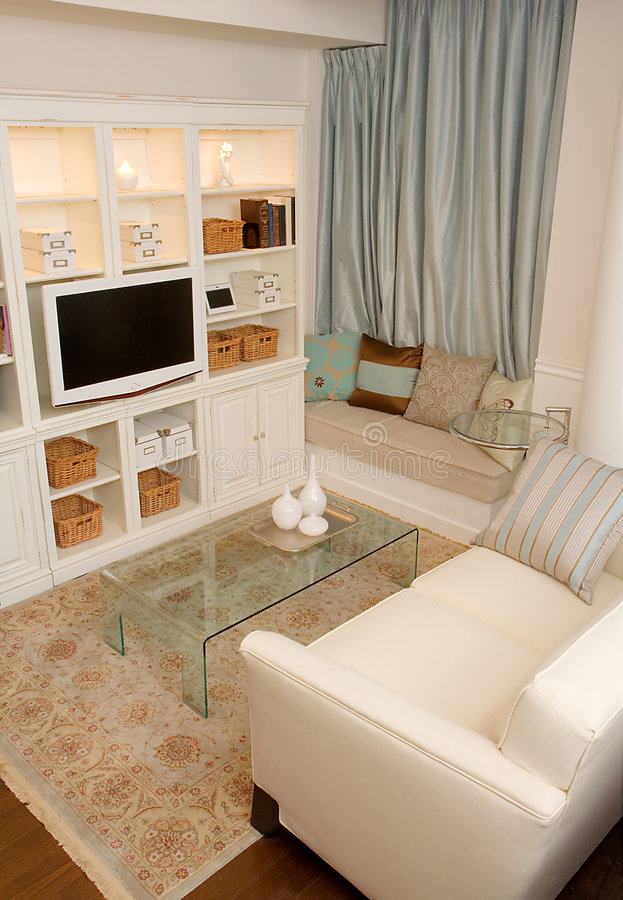 chic flott livingroom royaltyfria bilder