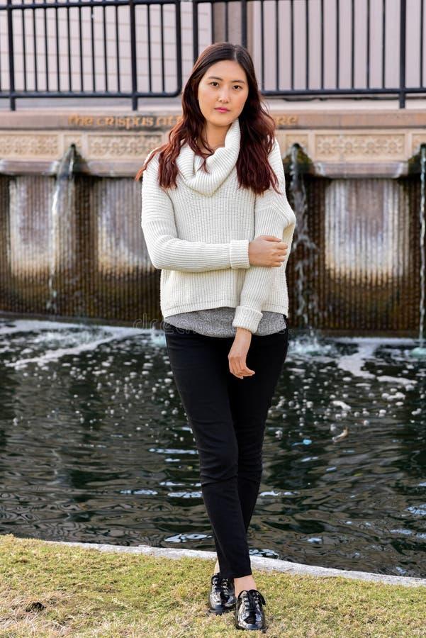Chica de portada foto de archivo libre de regalías