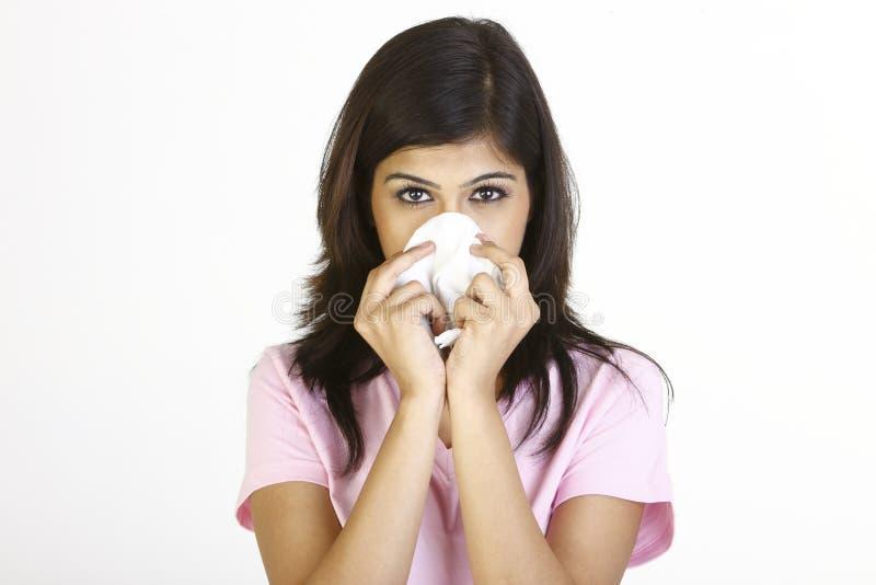 Chica joven con la nariz corriente foto de archivo libre de regalías