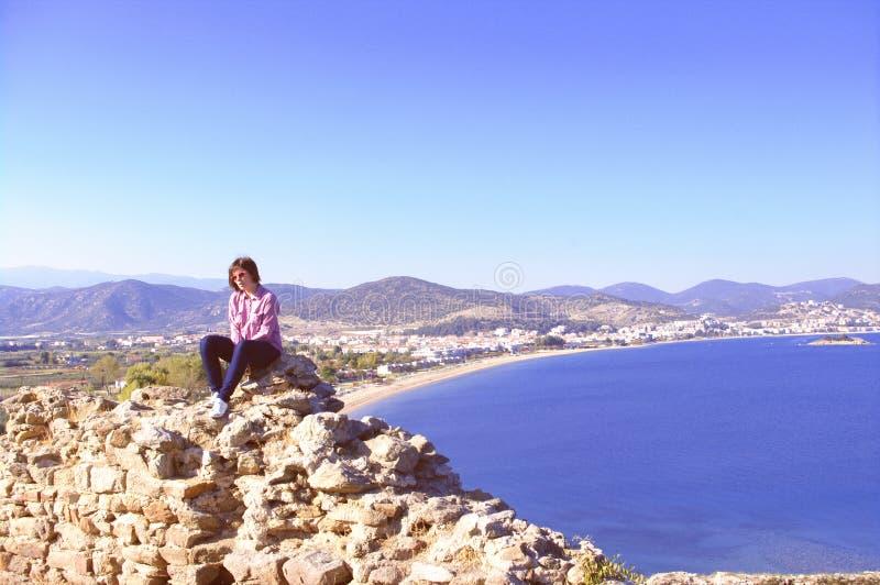 Chica joven en Grecia fotografía de archivo