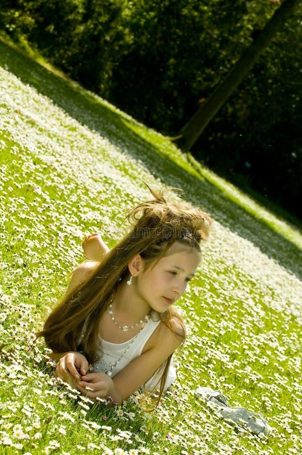 Download Chica Joven Linda En Parque Imagen de archivo - Imagen de alegría, sano: 7282149