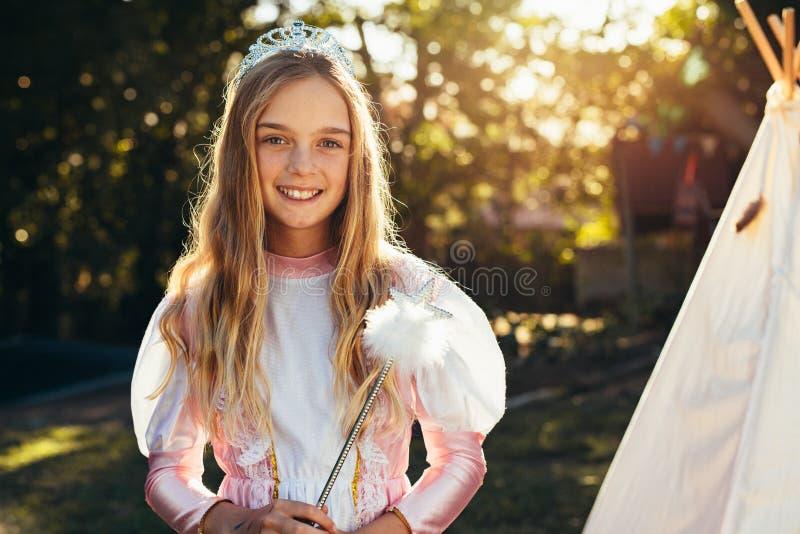 Chica joven linda en traje de hadas imágenes de archivo libres de regalías