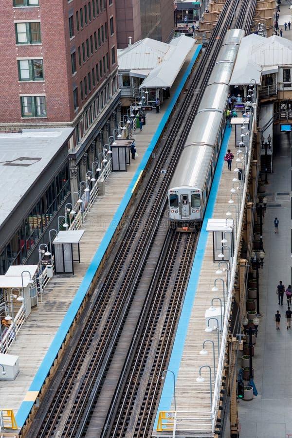 Chicago-Bahnstation und -eisenbahn herein in die Stadt, Illinois, USA stockfotos