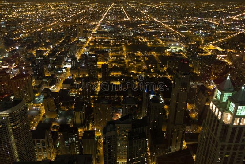 Chicago bij nacht stock foto's