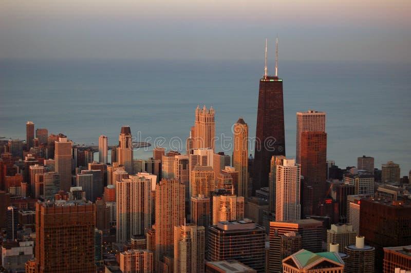 Chicago bij zonsondergang stock afbeelding